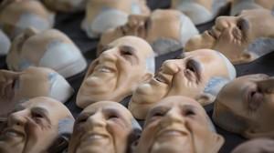 9jul2013-fabrica-no-rio-de-janeiro-prepara-mascaras-do-papa-francisco-para-a-visita-do-pontifice-a-jornada-mundial-da-juventude-que-acontece-neste-mes-1373401062720_1920x1080