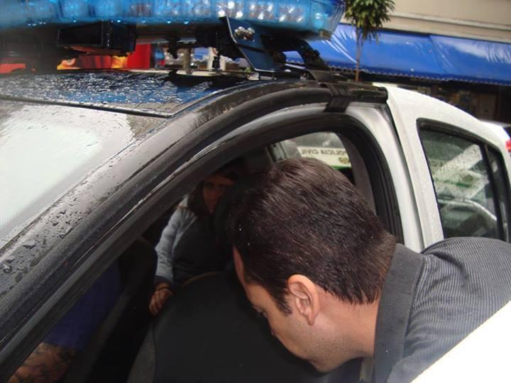 Militante presa ontem na manifestação da aldeia maracanã